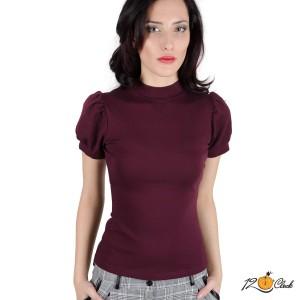 блуза с високо деколте