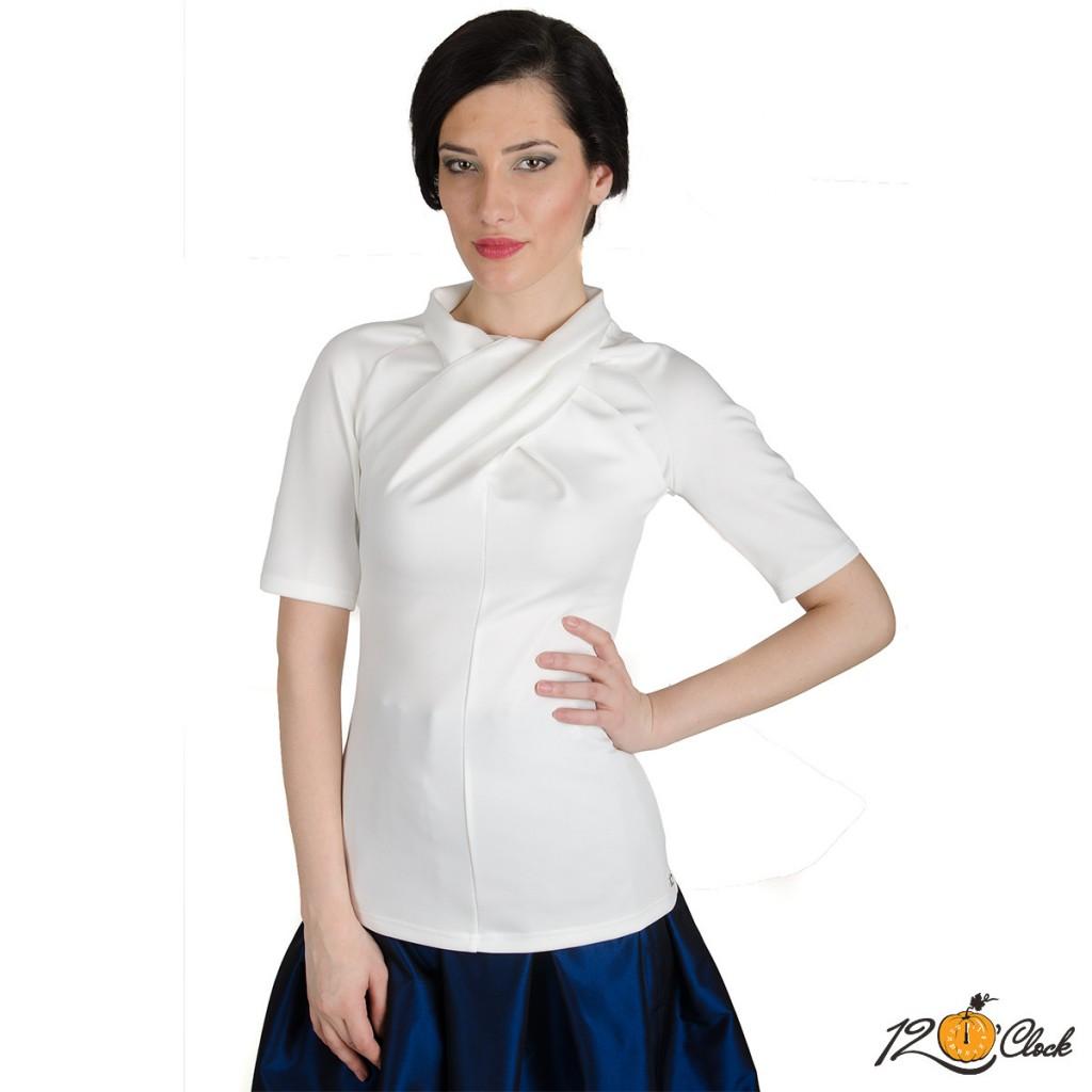 Елегантна блуза от трико
