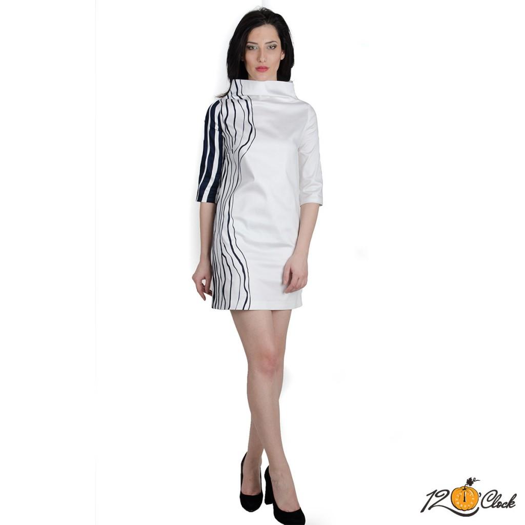 права къса рокля