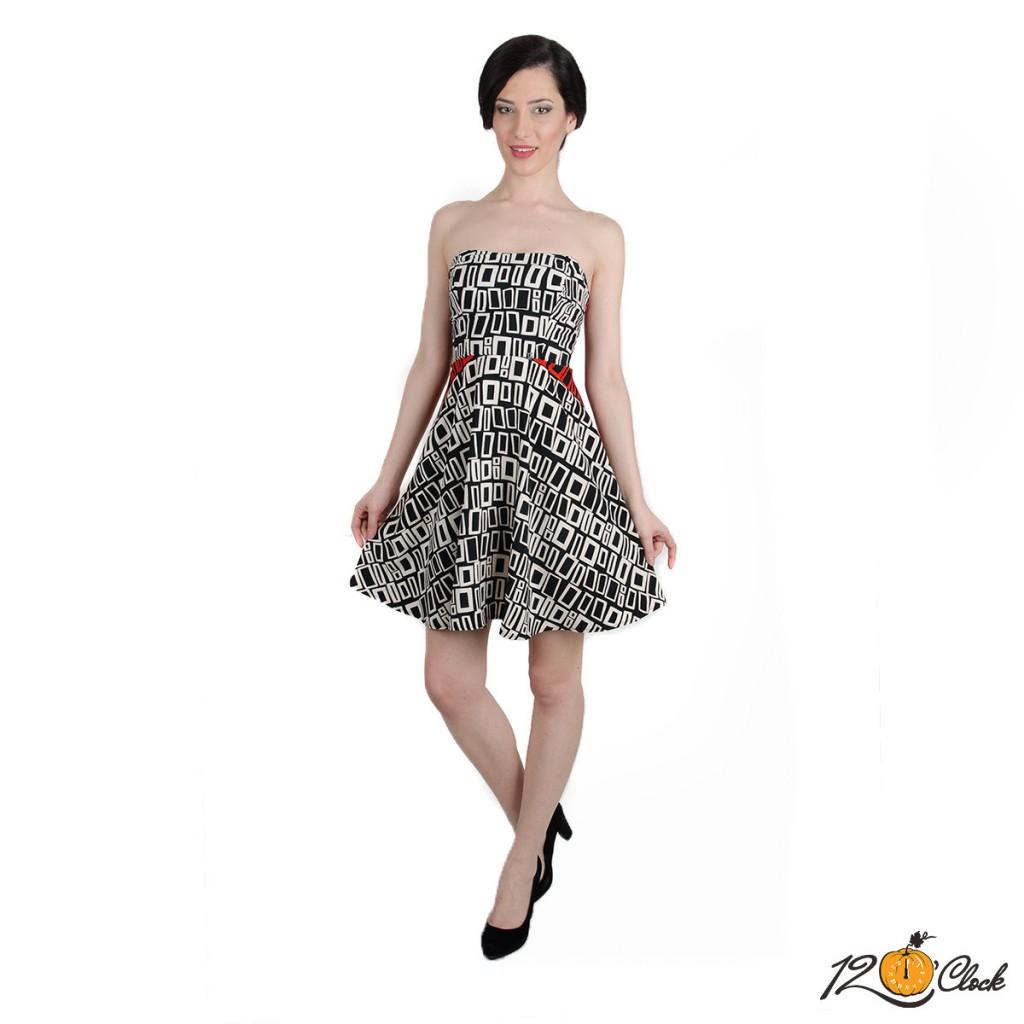 рокля с бюстие