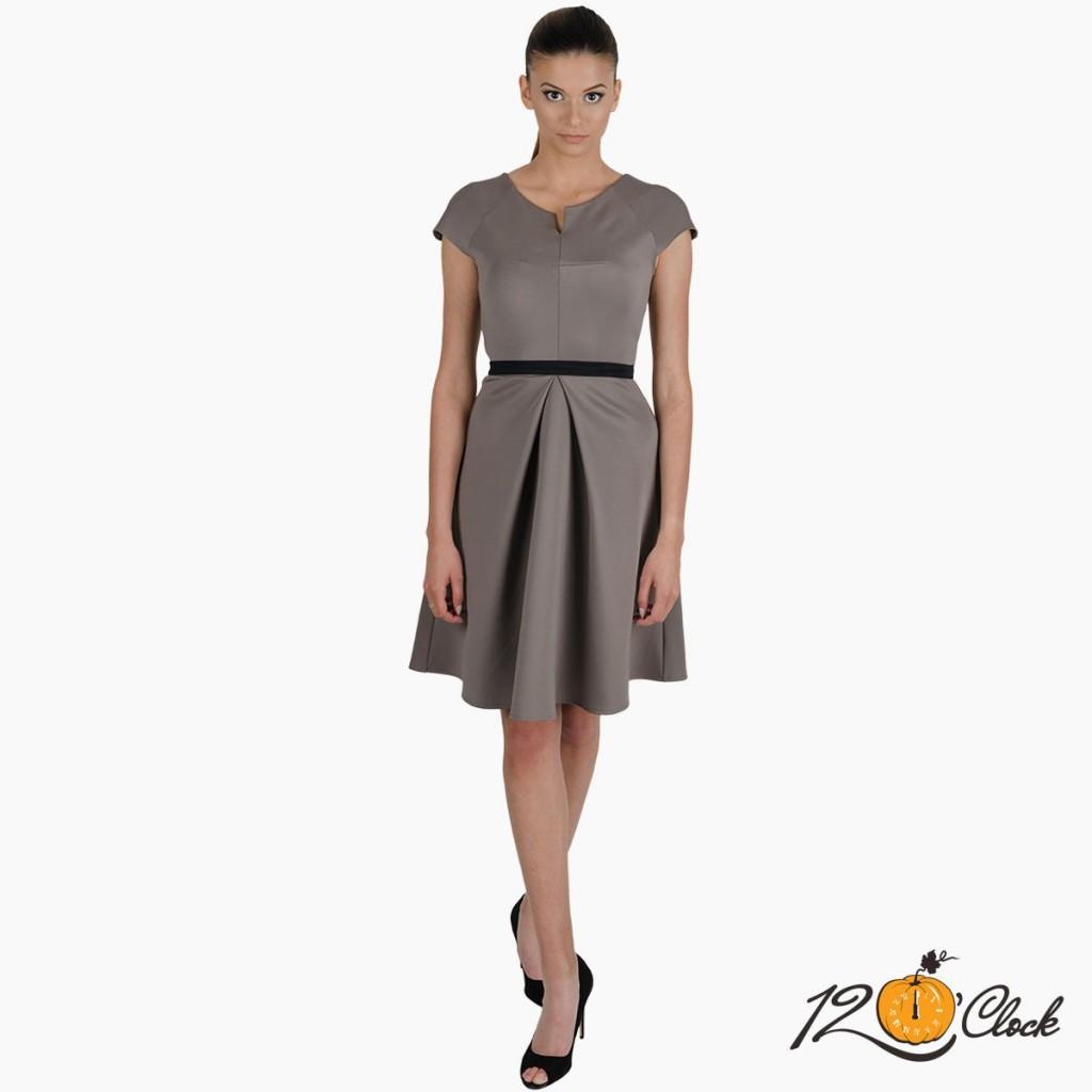 рокля с колан