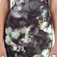 елегантна рокля с принт