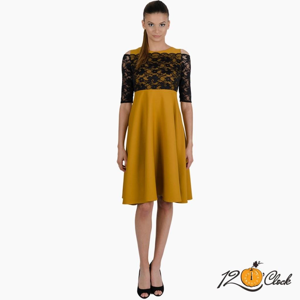 разкроена рокля с висока талия