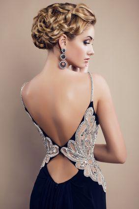 вечерна рокля с гол гръб