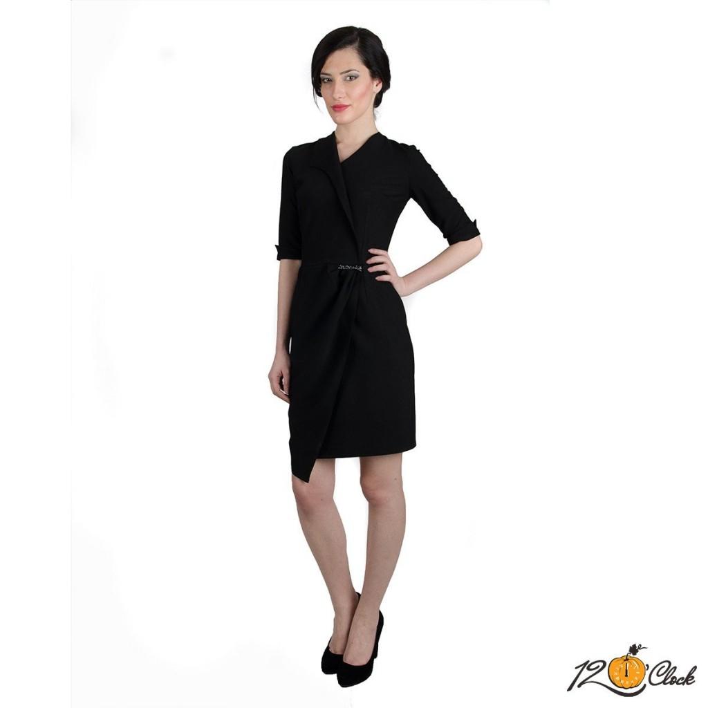 асиметрична черна рокля