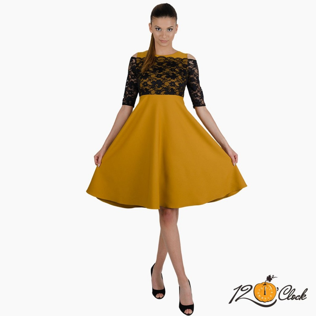рокля с висока талия