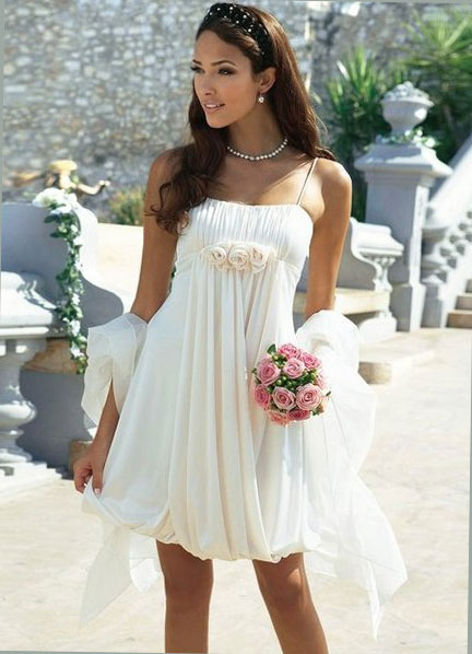 бяла рокля балон