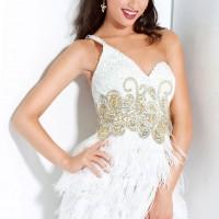 рокля в бяло